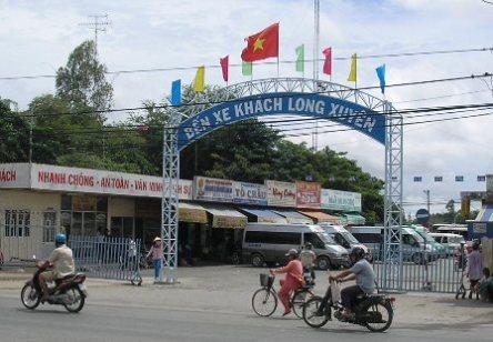Bến Xe Long Xuyên - đối diện quán ăn Cây Dừa