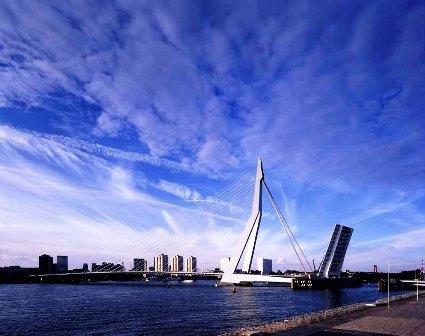 Cây cầu Erasmus nổi tiếng