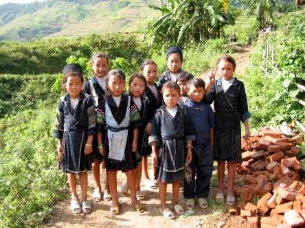 Trẻ em người dân tộc thiểu số ở Sapa - muốn chụp được ảnh này phải... lì xì cho các em đấy! :)