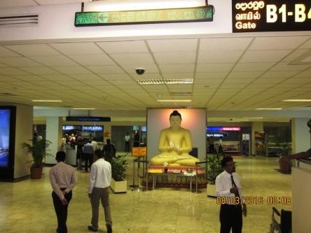 Tượng Phật Thích Ca ngay trong sân bay