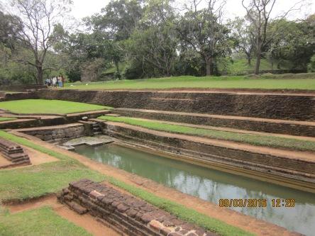 Sigiriya - Di sản Thế Giới, phí vào cổng đến $30, mắc quá thể.