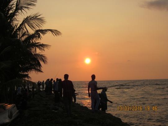 Hoàng hôn trên biển Colombo