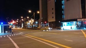 Đường phố khu trung tâm lúc 8 giờ tối, vắng hoe