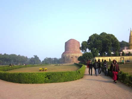 Vườn Lộc Uyển - nơi Đức Phật giảng bài giảng đầu tiên cho 5 anh em Kiều Trần Như