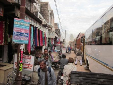Biên giới Ấn - Nepal, bụi mù, đông nghịt